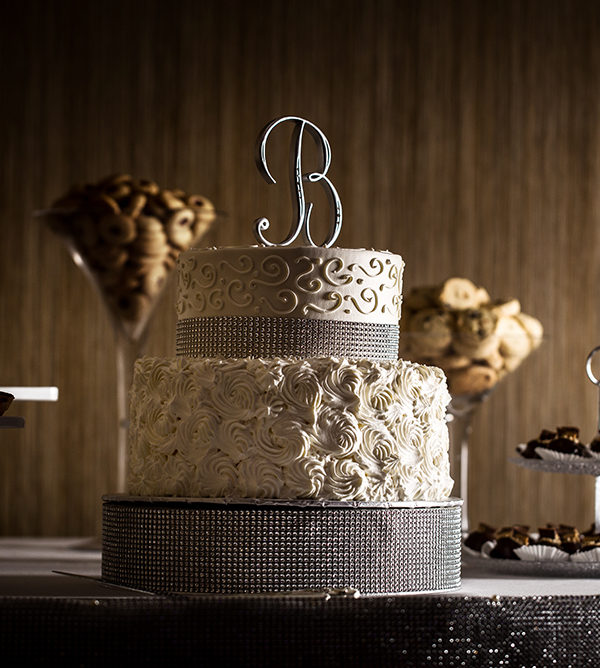 this wedding cake give and idea of how we capture detail in our wedding photography